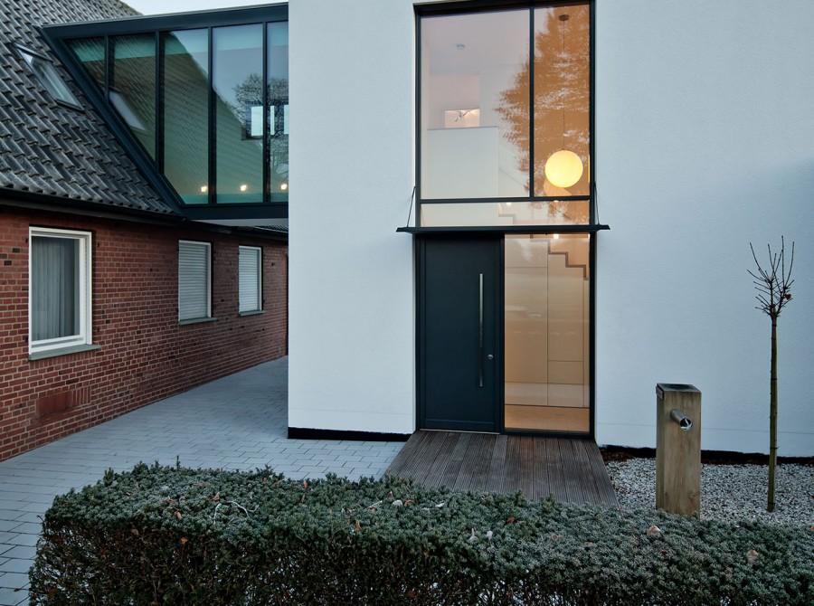 Neubau Haus Durchgang Altbau