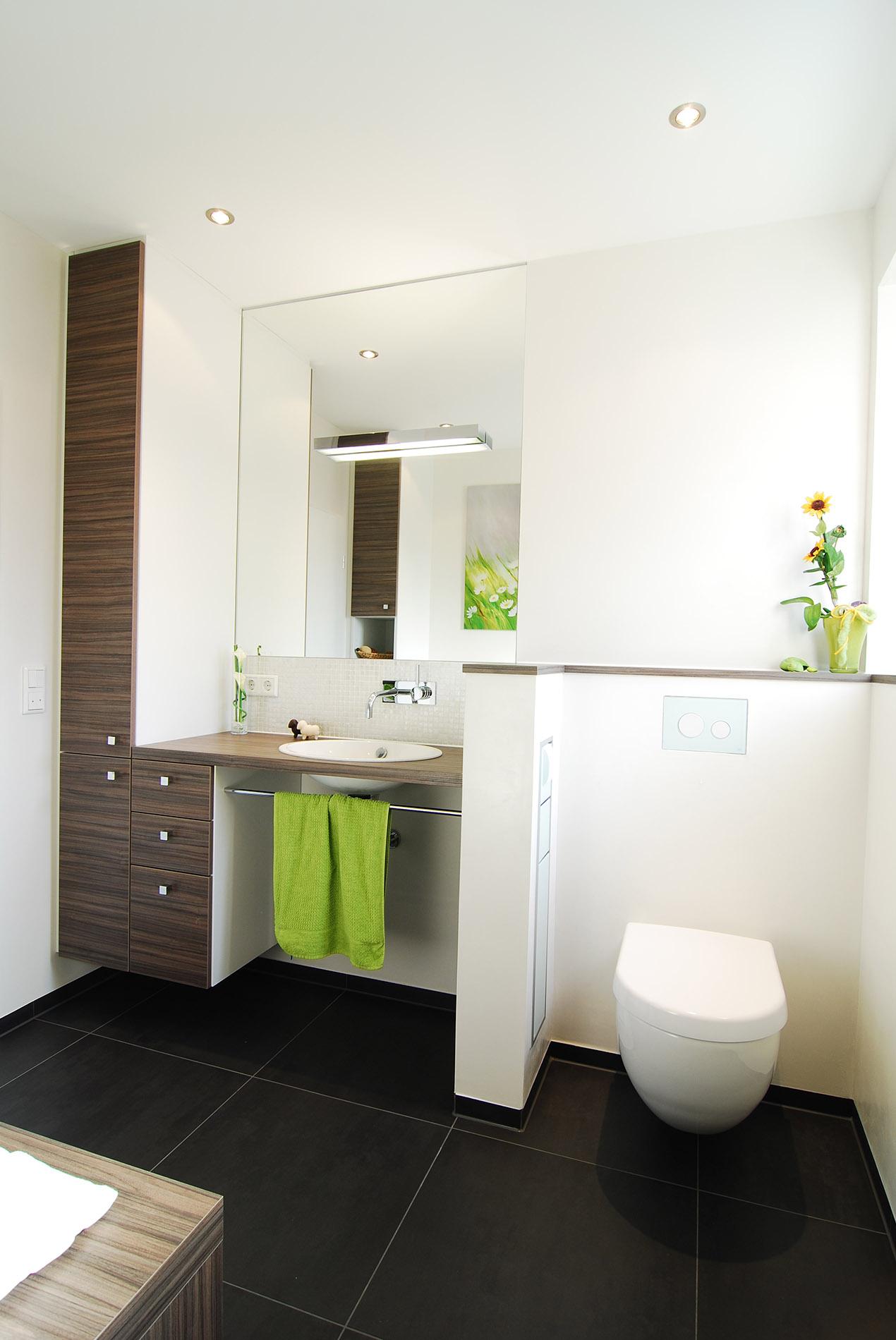 kleines badezimmer renovieren in m nster raumfabrik. Black Bedroom Furniture Sets. Home Design Ideas