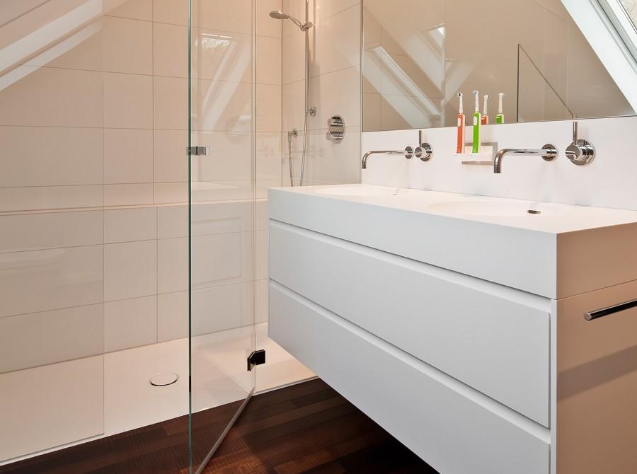 Renovierung Badezimmer mit Schräge