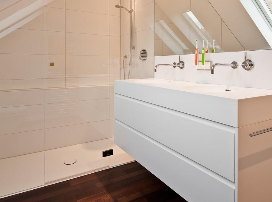 Renovierung Bad mit Schräge