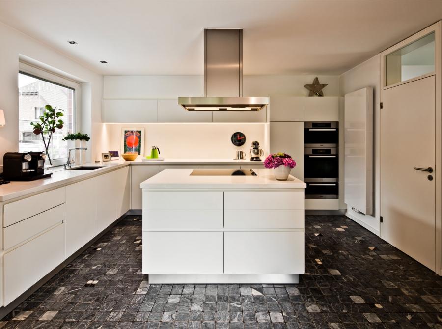 Umbau Küche mit Kochinsel