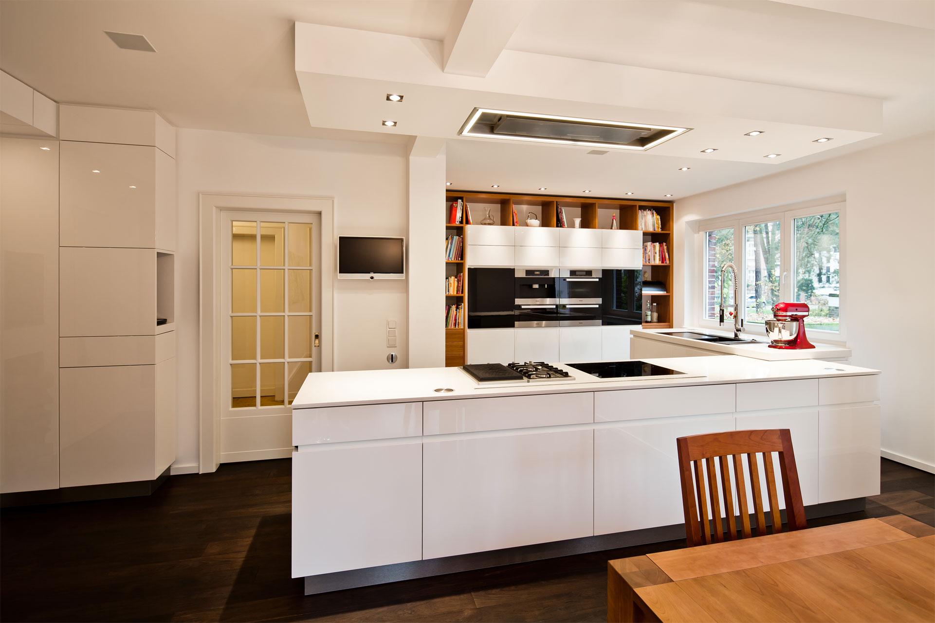 renovierung einer wohnk che mit vielen besonderheiten. Black Bedroom Furniture Sets. Home Design Ideas